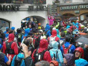 Mont Blanc Marathon Stau beim Start