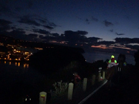 Azores Trail Run: Abstieg vom Monte da Guia